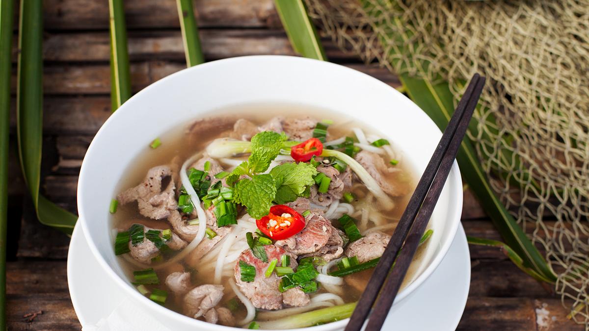 Vietnamesische Pho Bo Suppe